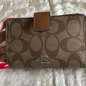 Coach signature small wallet